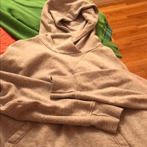 Lululemon pull over